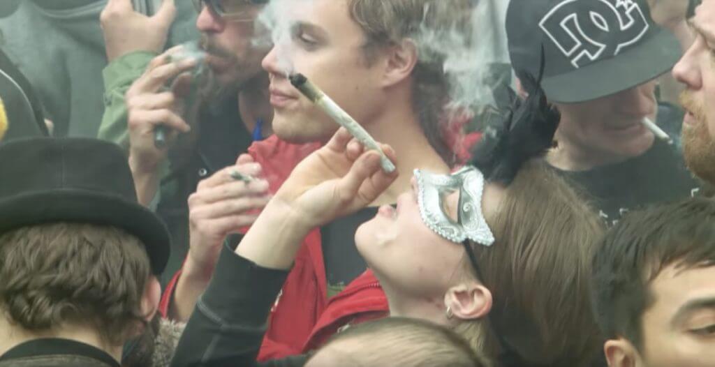 marijuana canada pot fiction1 1024x526 - Video - Marijuana in Canada : Pot Fiction - The Fifth Estate