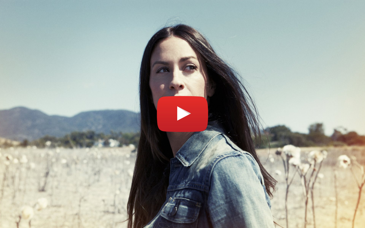 does alanis morissette smoke weed video2 - Does Alanis Morissette smoke weed? You Oughta Know!