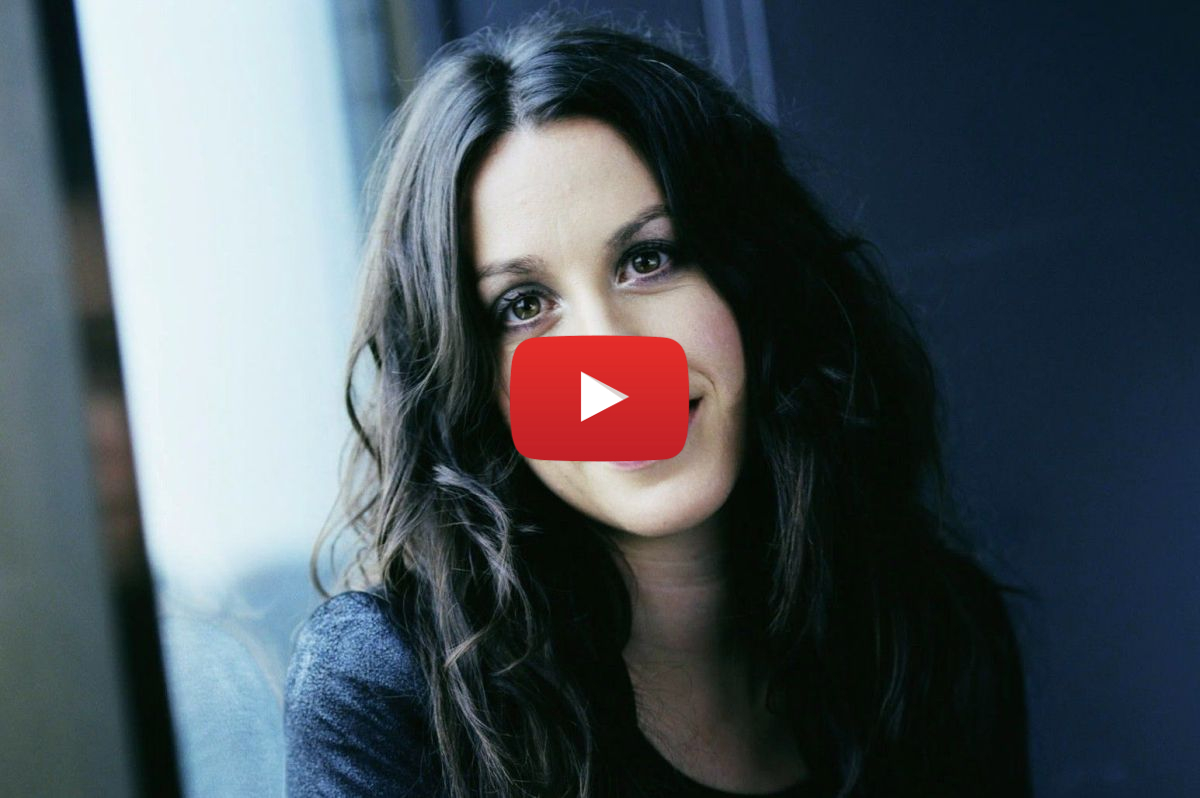 does alanis morissette smoke weed video7 - Does Alanis Morissette smoke weed? You Oughta Know!