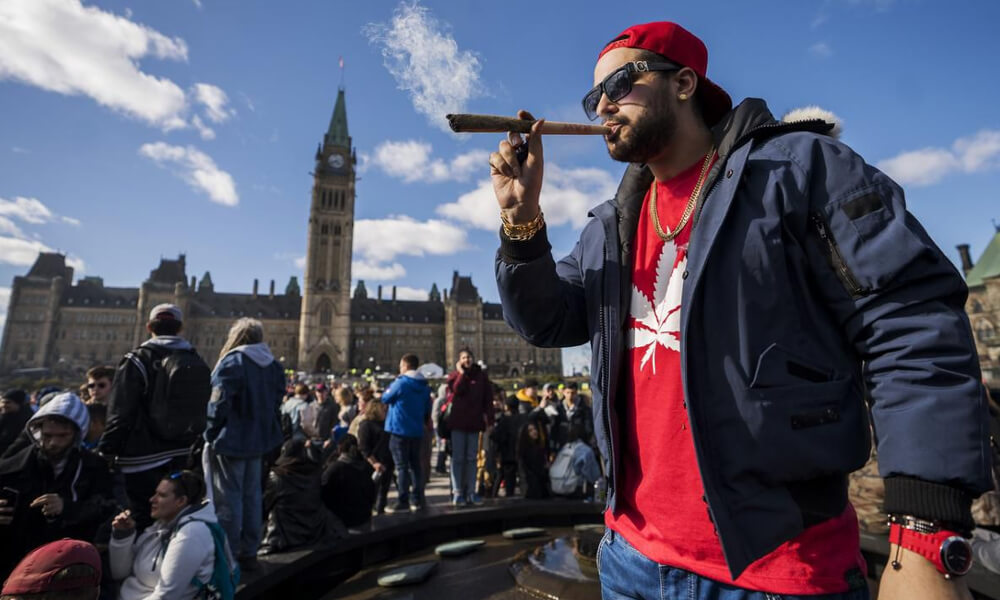 everyone talking week away featured2 - Hey Canada! Legal Marijuana is a week away and EVERYONE is talking about it...