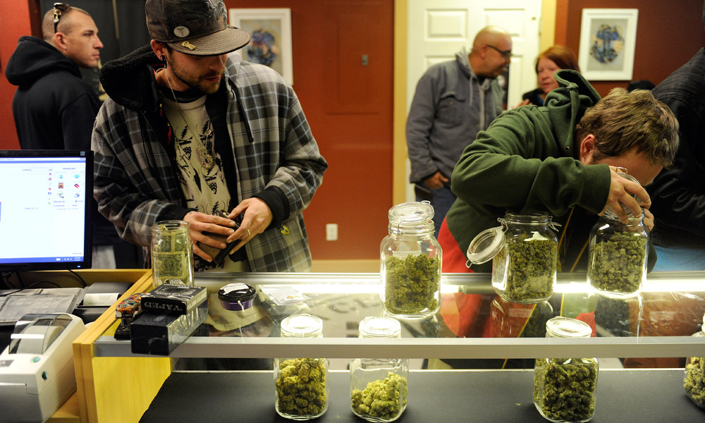 How The California Marijuana Black Market Is Affecting Legal Pot Dispensaries