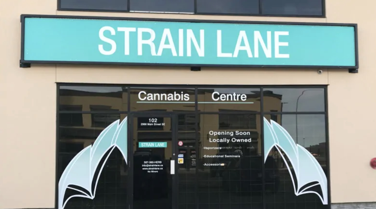retailers waiting cannabis 1 - From Alberta to Ontario, pot shop owners anxiously await arrival of cannabis